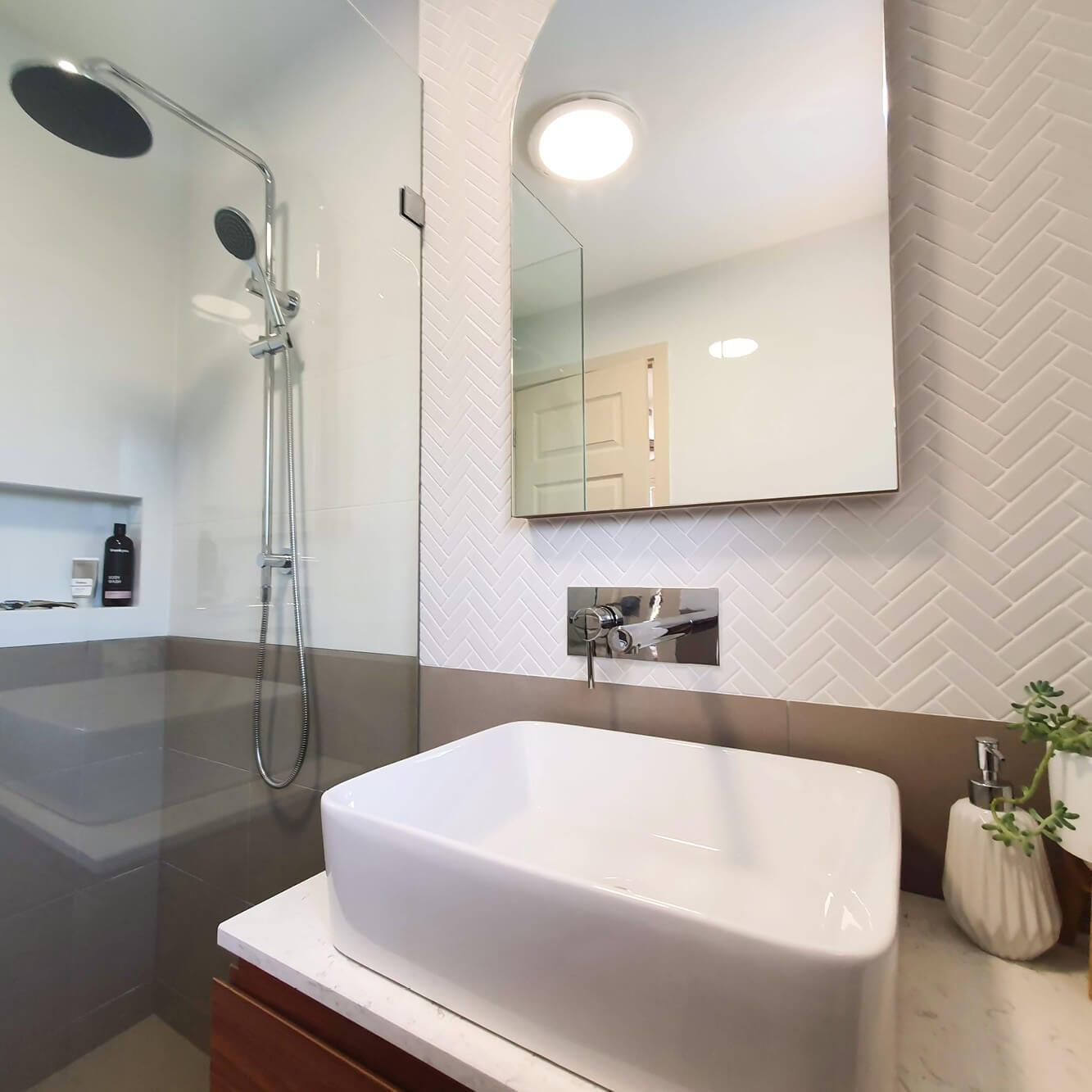 KBDi_Stephanie Webber_Bathroom_Square