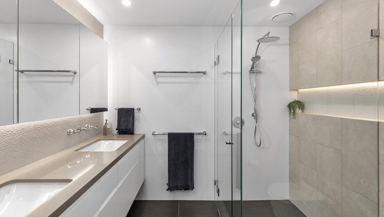 KBDi_Matt Michel_L_Bathroom_1