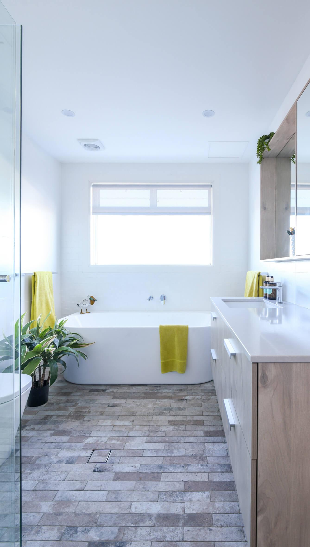KBDi_Donna Allen_Bathroom_Portrait_3
